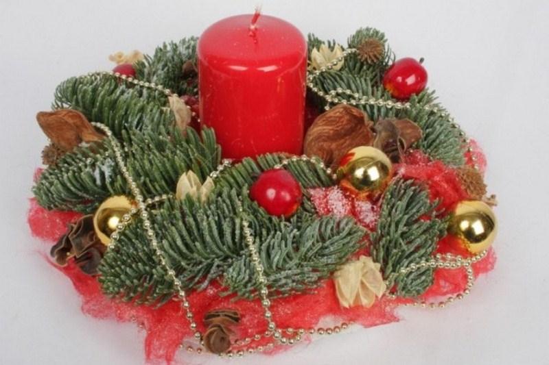 Рождественский венок на стол своим руками